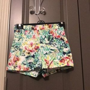 Forever 21 island print shorts
